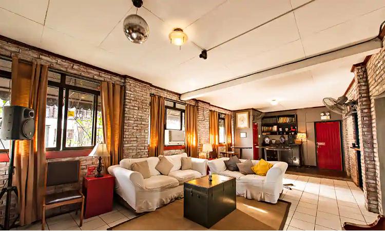 the apartment poblacion